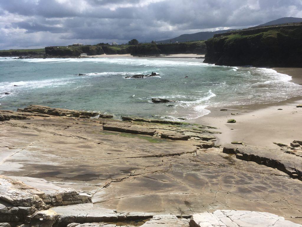 Playa de illas. Ruta de Las Catedrales a Illas