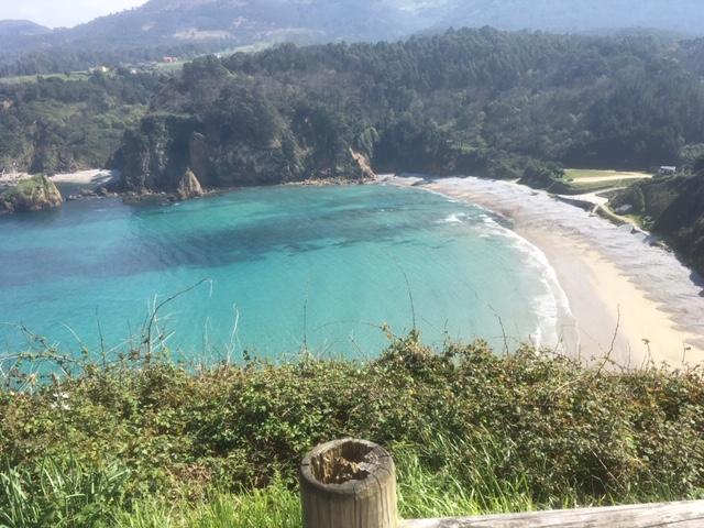 Playa de Cadavedo Asturias, muy cerca de Luarca